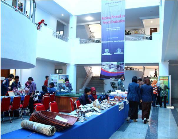 Seminar RENPER Diwarnai Pameran dan Bazar