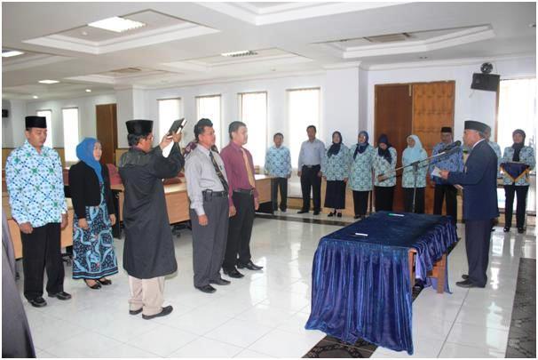 Rektor Lantik Dua Anggota SPI