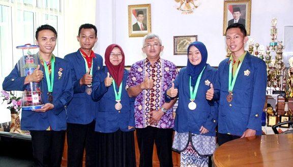 Mahasiswa UNIB Ukir Prestasi di Ajang PIMNAS XXX