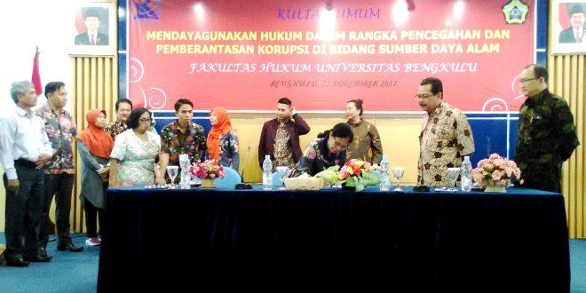 """FH UNIB Launching Pusat Kajian Anti Korupsi """"PEKARO"""""""