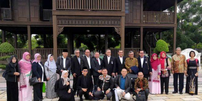 Tingkatkan Kerjasama, Rektor UNIB Diundang ke UMK Malaysia
