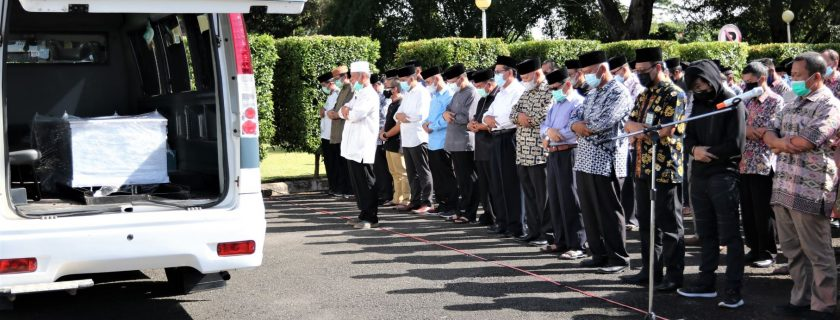 Pelepasan Jenazah Almarhum Prof. Johan Setianto