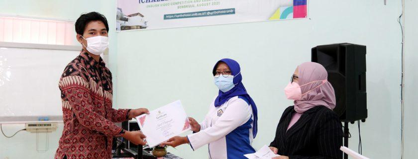 Perdana, UPT Bahasa Gelar CHARITY Bagi Mahasiswa